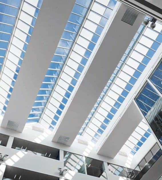 Finestra da tetto in acciaio e vetro modular skylights velux for Architectural skylight