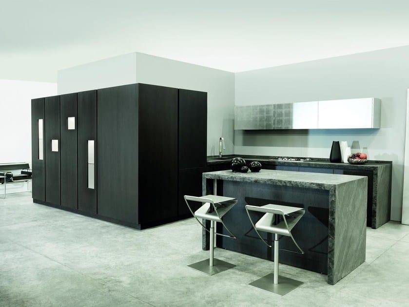 Kitchen with island MONDRIAN | Oak kitchen by TM Italia Cucine