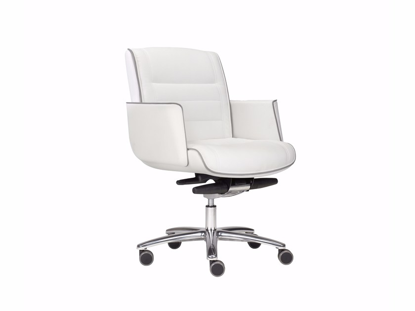 Height-adjustable low back executive chair with 5-spoke base MR. BIG | Low back executive chair - Luxy
