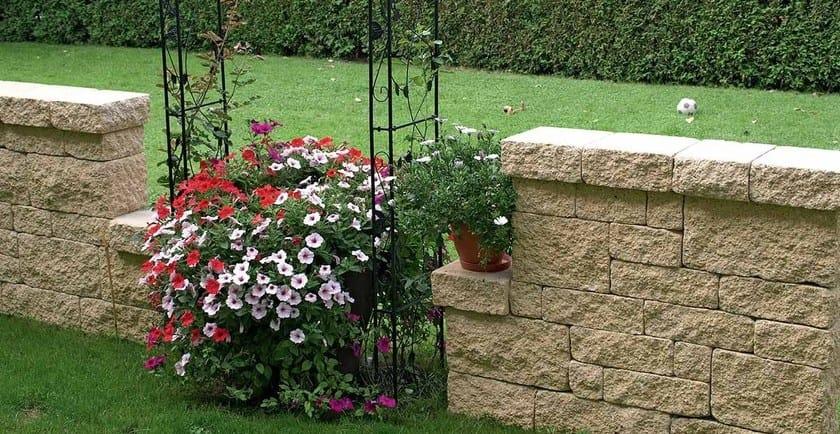 Muretti in calcestruzzo effetto pietra muro antico - Muretti in pietra giardino ...