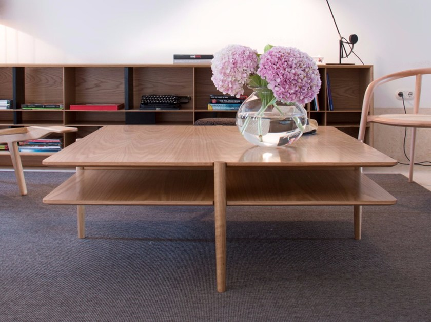 Square wooden coffee table NÍVEL | Square coffee table - Branca-Lisboa