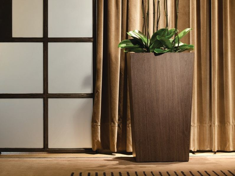 High square plant pot with automatic watering NATURA | High plant pot by Hobby Flower