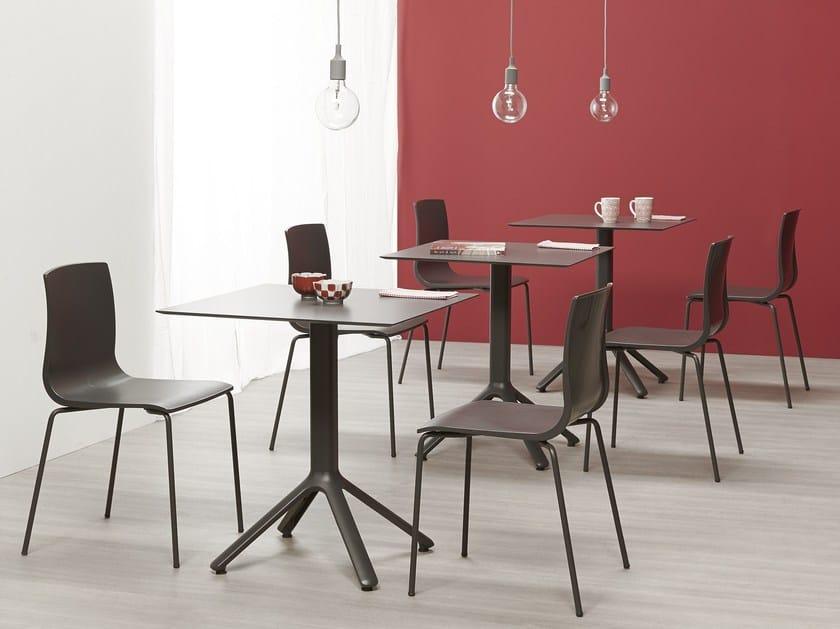 Tavolo quadrato per contract nemo tavolo quadrato scab for Tavolo quadrato design