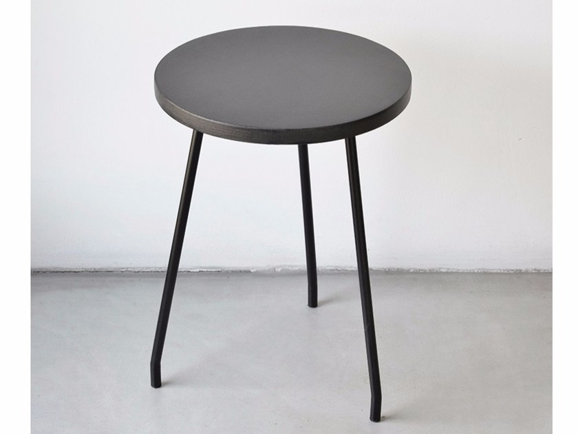 Prefinito Cemento stool NINO | Low stool by Moab 80