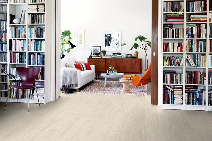 Pavimento in vinile effetto legno rovere bianco del nord for Pavimento vinile