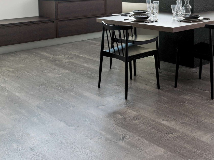 Vinyl flooring with wood effect OAK by L'antic Colonial