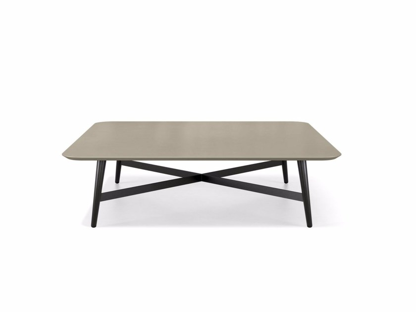 table basse laqu e carr e de salon octet collection les contemporains by roche bobois design. Black Bedroom Furniture Sets. Home Design Ideas