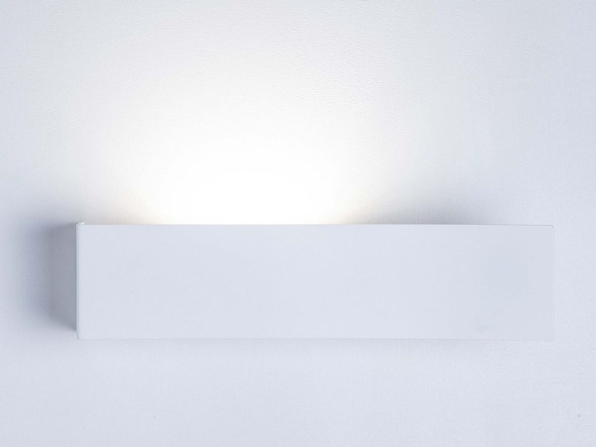 LED indirect light metal wall lamp OFFLINE - LUCENTE - Gruppo Rostirolla