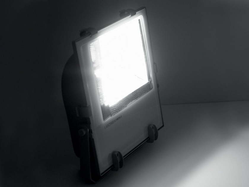 Die cast aluminium Outdoor floodlight OLYMPIA 4 by LANZINI