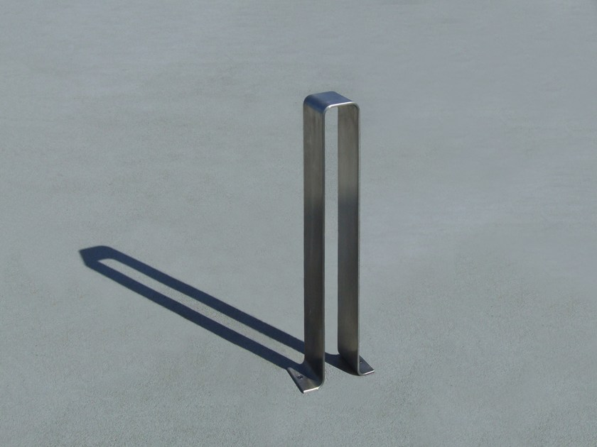 Steel bollard OMEGA-P BY DAY - LAB23 Gibillero Design Collection