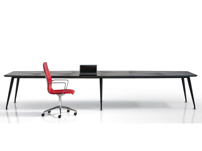 Tanned leather meeting table ORAZIO | Meeting table by Polflex