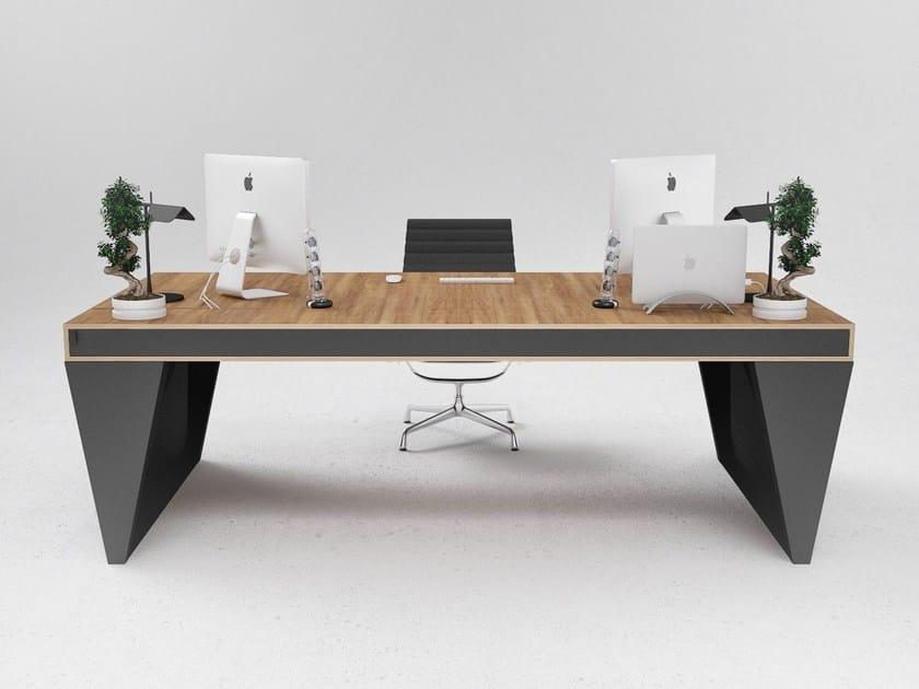 Executive desk OS1 by ODESD2