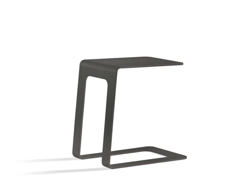 Low aluminium garden side table OUTDOOR SIDETABLE | Open 32 by MANUTTI