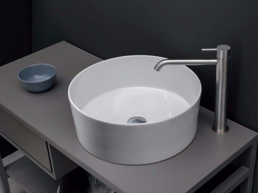 Countertop round ceramic washbasin OVVIO VASO by Nic Design