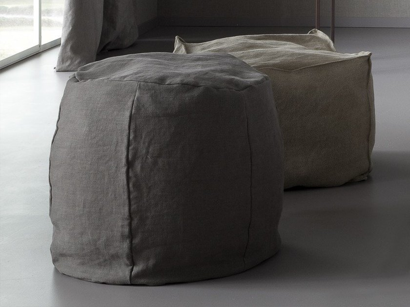 Round linen pouf PARENTESI by Chaarme