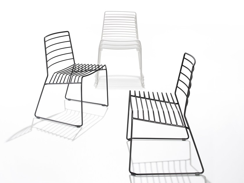 Stackable steel chair PARK by B-LINE