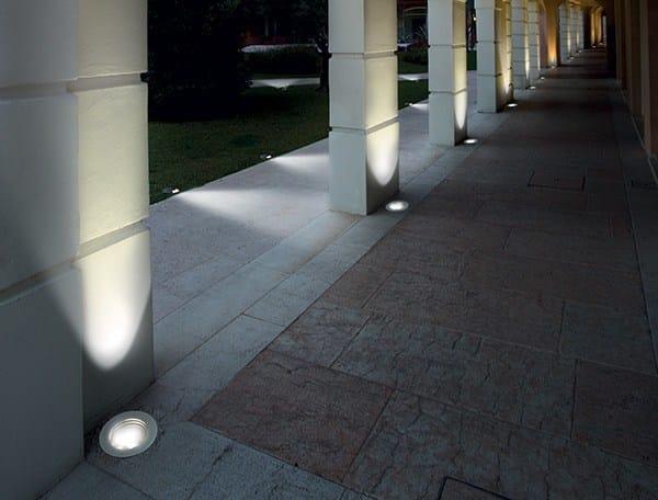 Segnapasso a led a pavimento passum uplight goccia - Illuminazione a pavimento per esterni ...