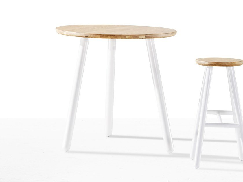 Round wooden table PICKET | Round table by Derlot Editions