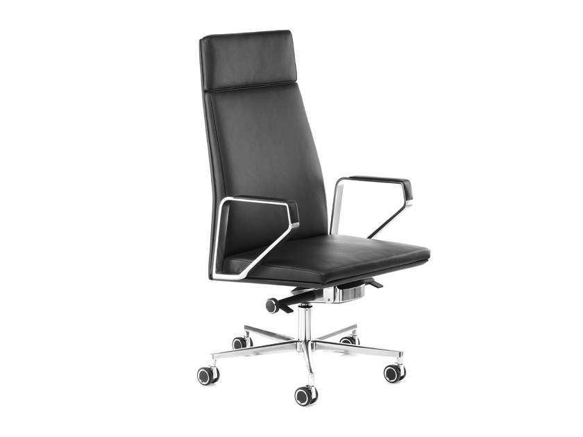Swivel leather task chair with 5-Spoke base with armrests .PILOT P200 by Spiegels