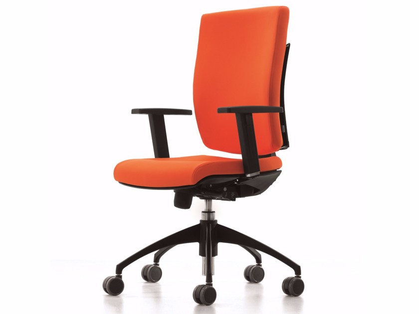 Task chair with 5-Spoke base with armrests with casters PIXEL | Task chair - Luxy