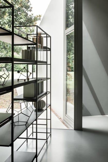 Libreria componibile in metallo plain lema for Libreria velux