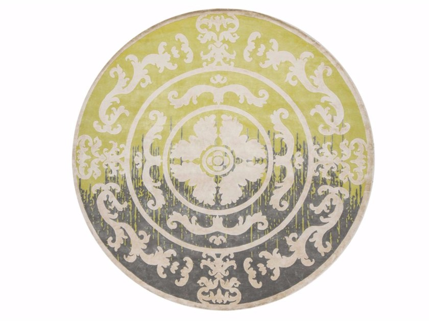 Patterned handmade round rug POMPADOUR CIRCLE SHADOW LIME by EDITION BOUGAINVILLE