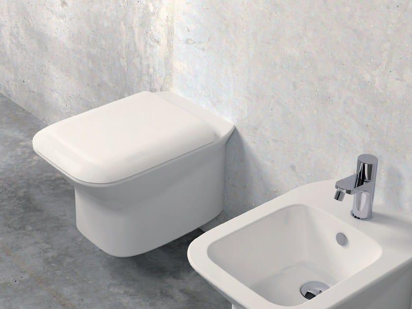 Wc sospeso in ceramica prua wc sospeso azzurra sanitari for Ceramica azzurra