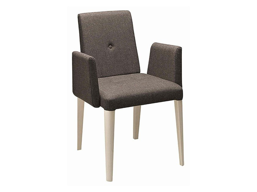 Upholstered wooden easy chair with armrests Punto 191 by Metalmobil