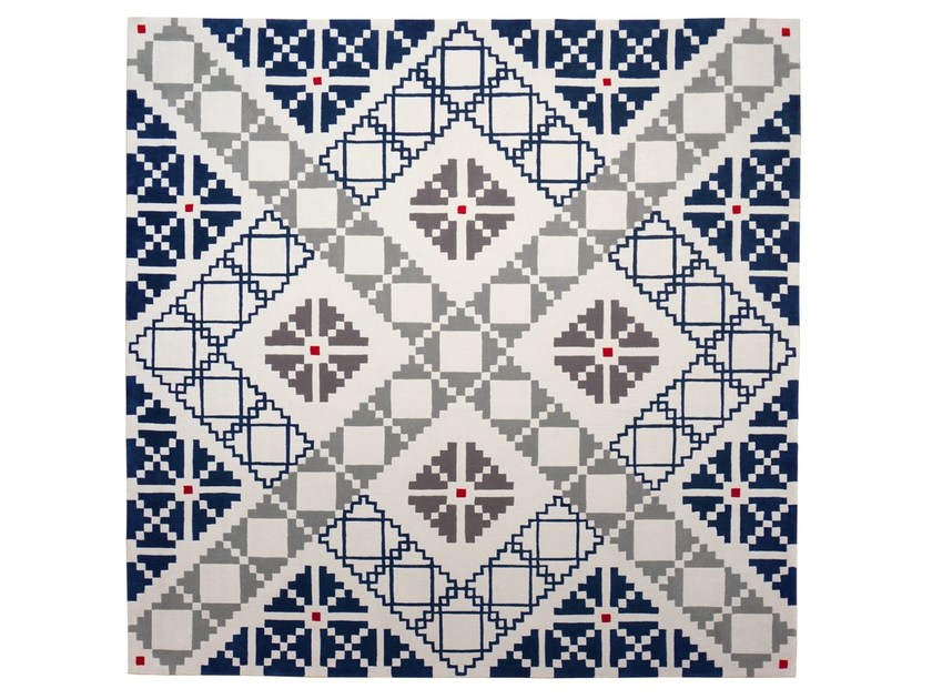 Handmade square wool rug with geometric shapes PUZZLED - Dare to Rug