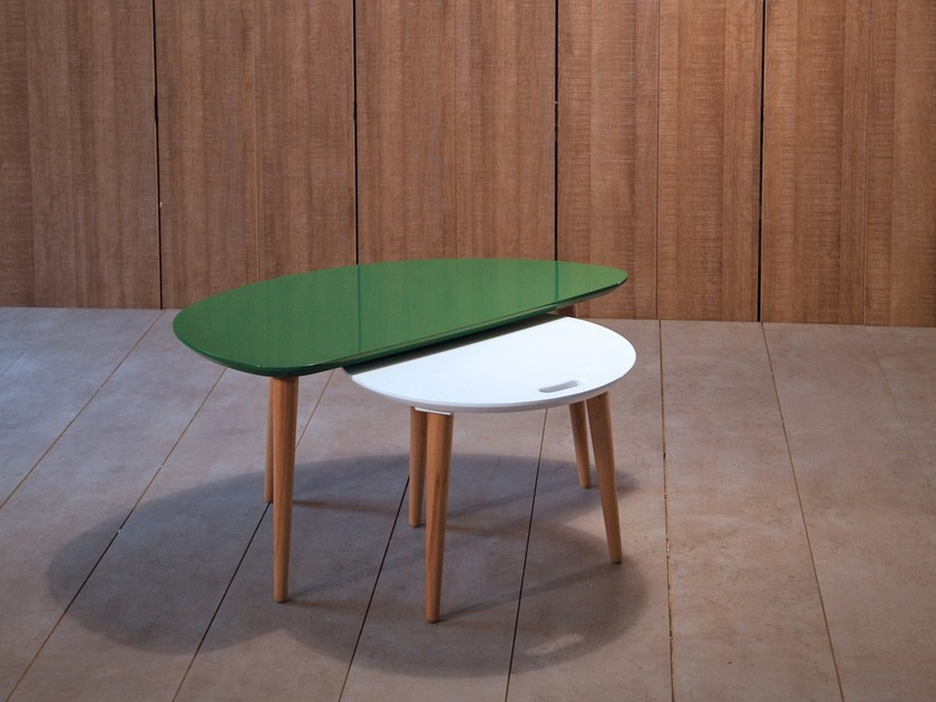 Lacquered coffee table PX | Lacquered coffee table by Kann Design