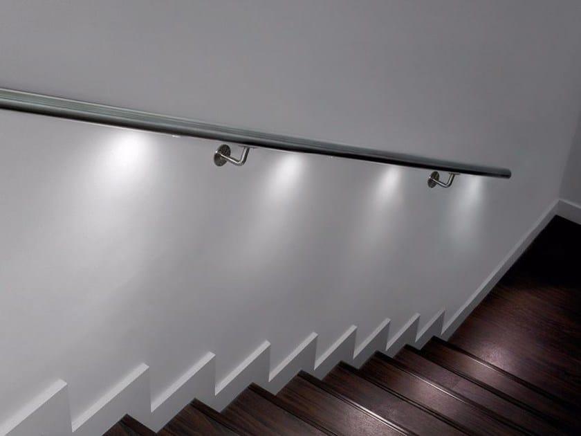Corrimano con led q lights spotlight q railing italia - Corrimano per scale interne a muro ...