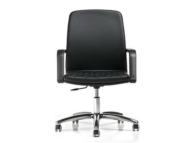 Task chair with 5-Spoke base with armrests QUEEN | Task chair by D.M.