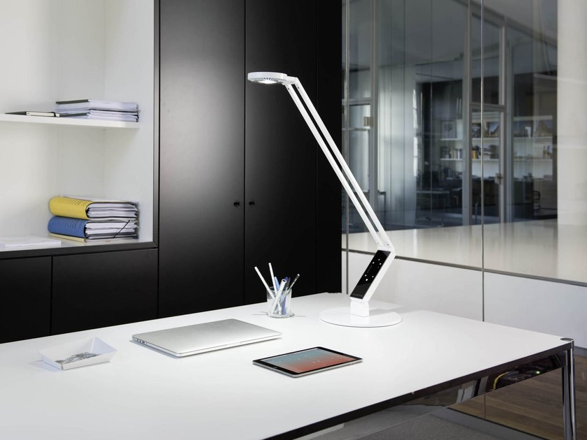 LED adjustable table lamp RADIAL TABLE PRO by LUCTRA®