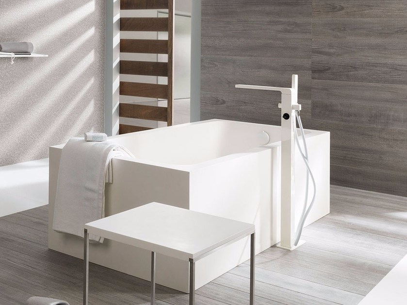 Freestanding rectangular Krion® bathtub RAS | Bathtub by Systempool