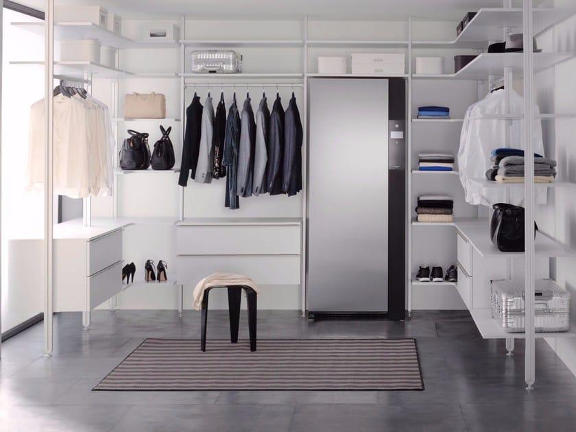 armadio asciugatrice con programma antipiega e igienizzante refresh butler by v zug. Black Bedroom Furniture Sets. Home Design Ideas