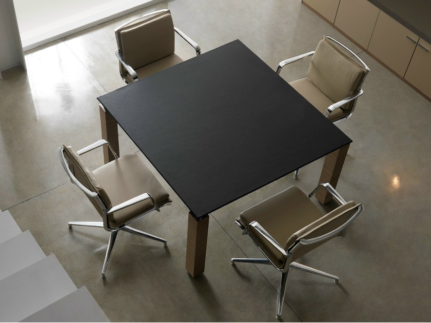 Modular square leather meeting table with cable management REGAL | Square meeting table - Quinti Sedute