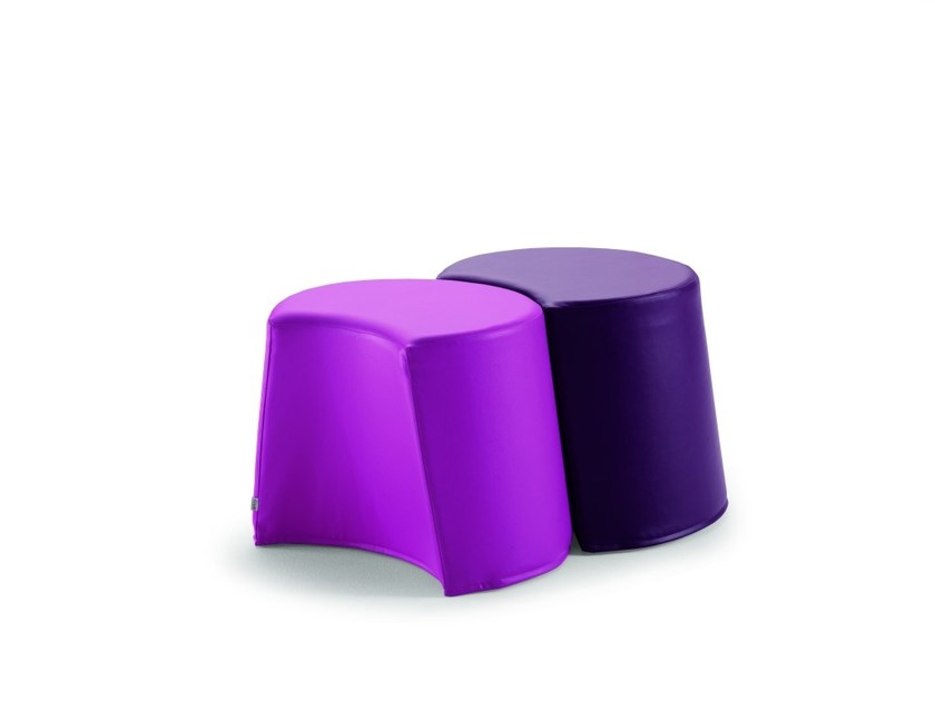 Leather pouf with removable lining REMY | Pouf by Flou