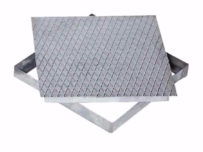 Manhole cover and grille for plumbing and drainage system RETRACTABLE COVER by Dakota