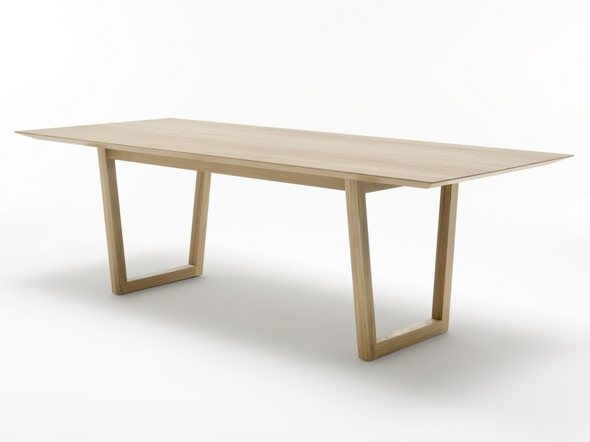 Rectangular wooden table ROLF BENZ 924   Table by Rolf Benz