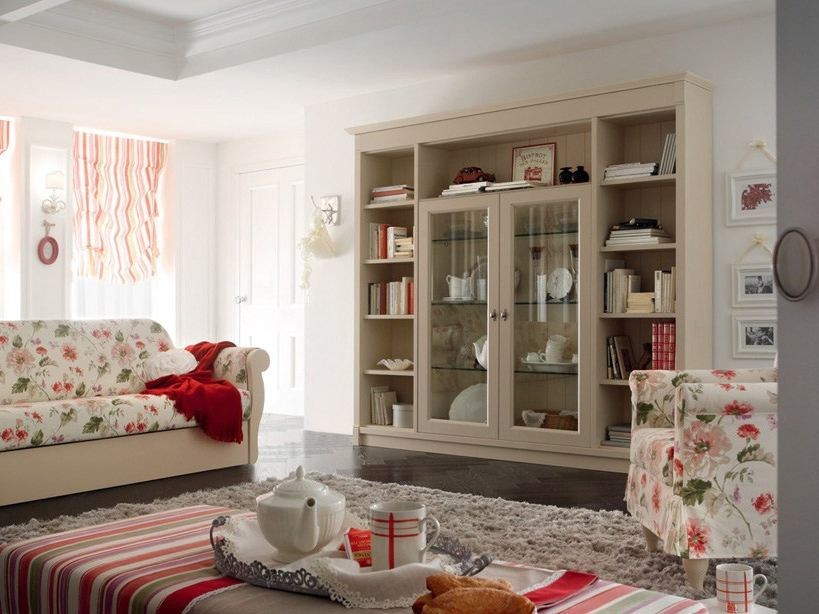 Wall-mounted wooden bookcase ROMANTIC LIGHT | Bookcase - Callesella Arredamenti S.r.l.