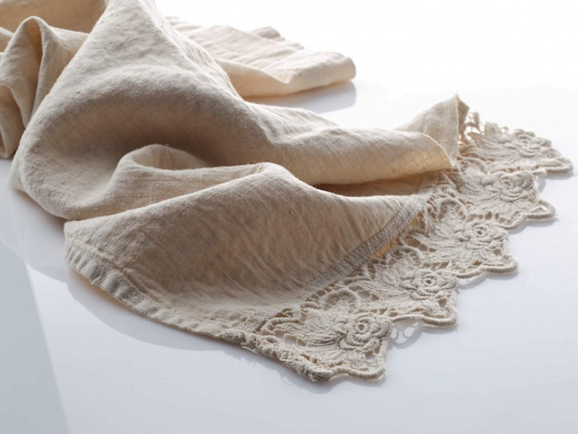 Linen Table runner ROSE | Table runner - LA FABBRICA DEL LINO by Bergianti & Pagliani