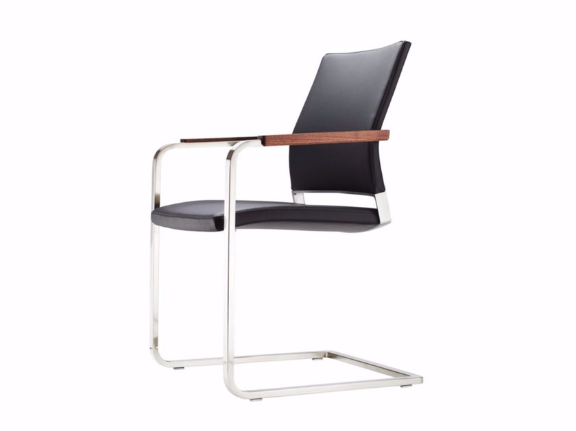 Cantilever leather chair with armrests S 95 PF by THONET