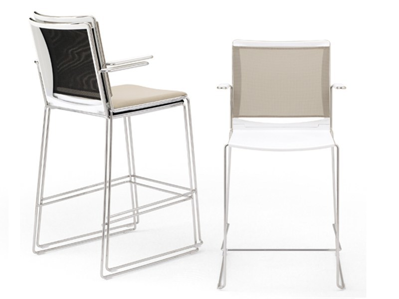 Counter stool with armrests S'MESH PLASTIC | Chair with armrests - Diemmebi