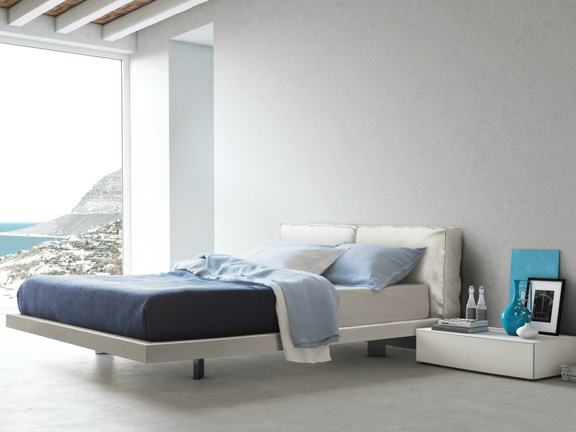 Upholstered leather double bed SACCO 014 | Leather bed - PIANCA