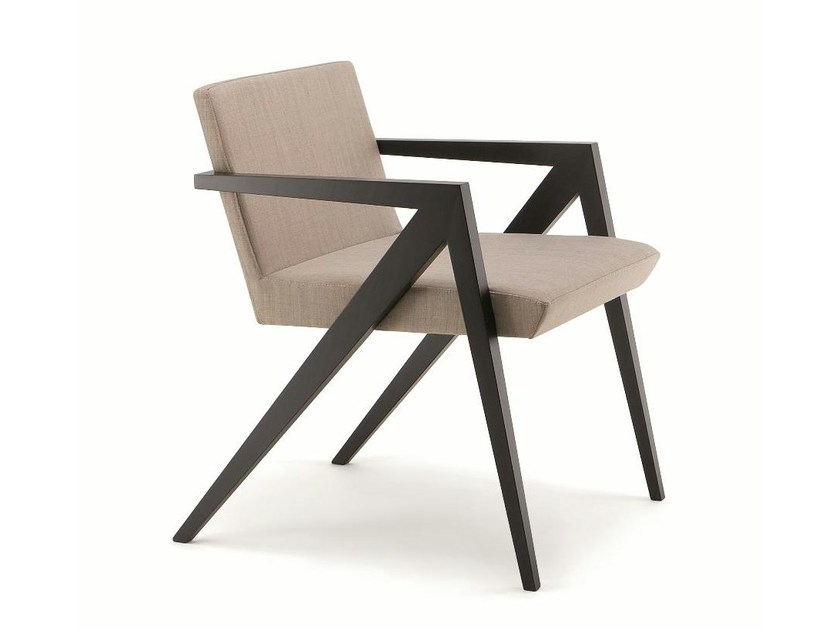 Fabric easy chair with armrests SAGITTA by Cizeta