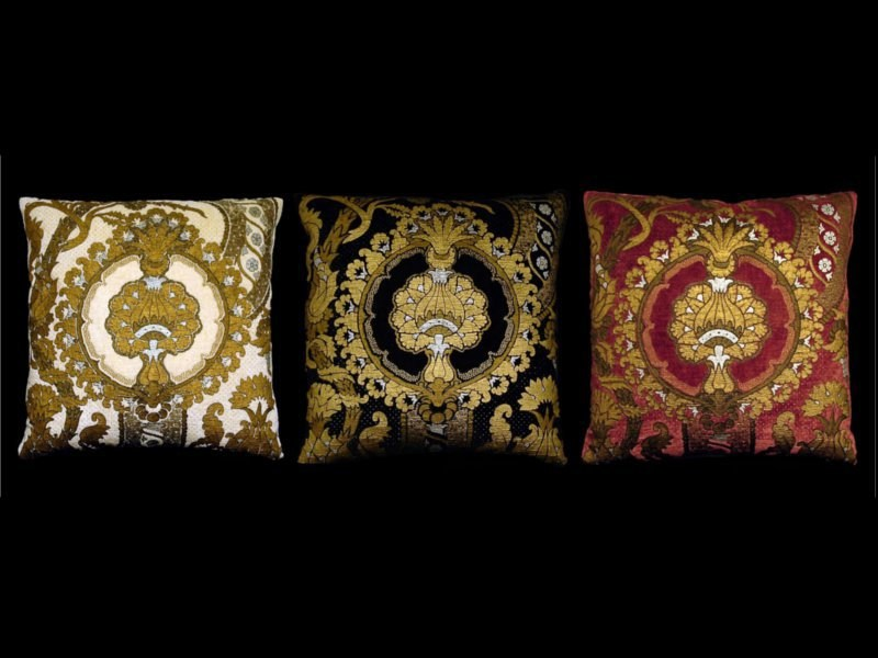 Square velvet cushion SAN MARCO | Square cushion - Venetia Studium