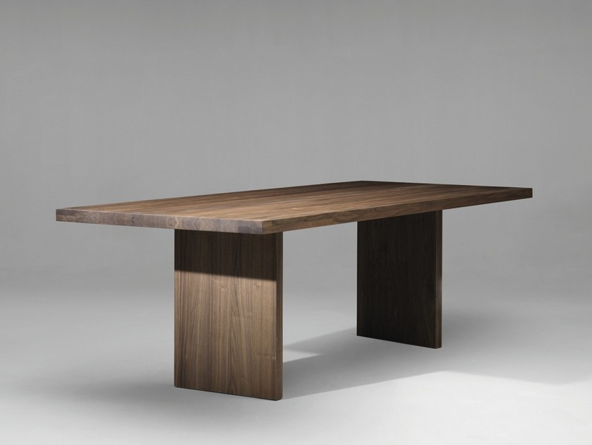 Rectangular wooden dining table SC20 by Janua