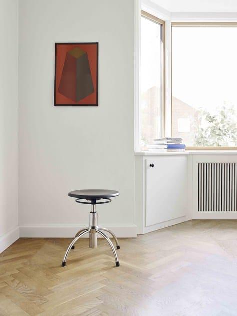 Height-adjustable Swivel wooden office stool with 4-Spoke base SE 43 - WILDE+SPIETH Designmöbel