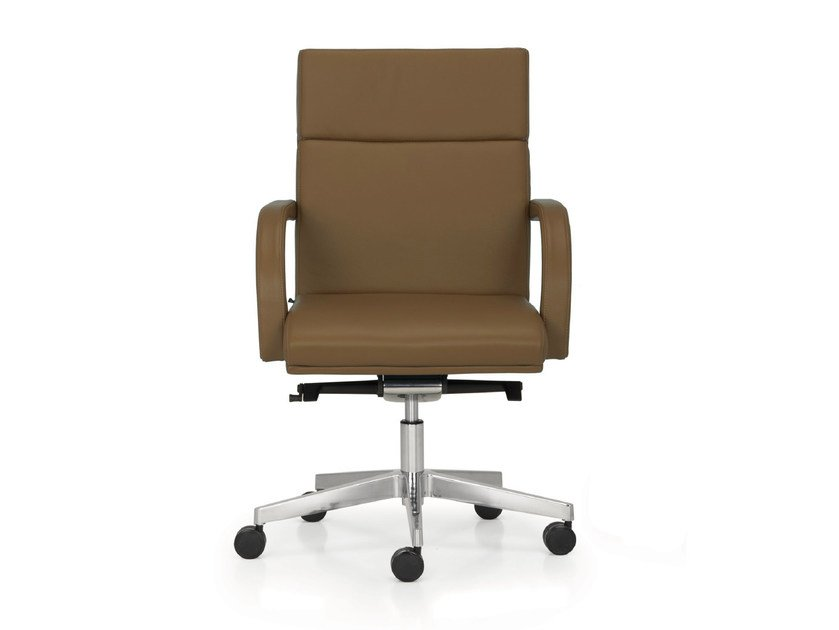 Height-adjustable leather executive chair with casters SENATOR | Executive chair with armrests by Quinti Sedute