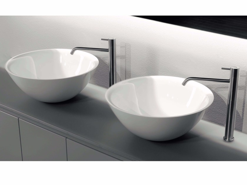 Countertop Ceramilux® washbasin SERVOTONDO by Antonio Lupi Design
